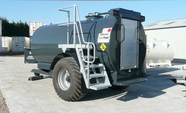 Remorque gasoil tout-terrain 6000 litres Pegase carburant